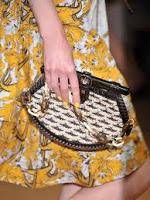 Οι τάσεις στις τσάντες για την άνοιξη-καλοκαίρι του 2012